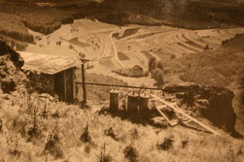 Foto vom Questenstein in den 1920ern - In der Bildmitte im Tal: Storchs Cafe