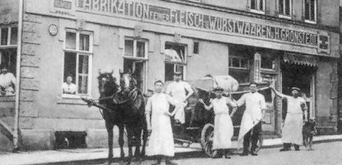 Deutsches Haus um 1910 in Salzungen Spezilität des Hauses Salami und Zervelatwurst, die zurückgenommen wurde, falls sie nicht genehm war - Archiv Peter-Michael Stein