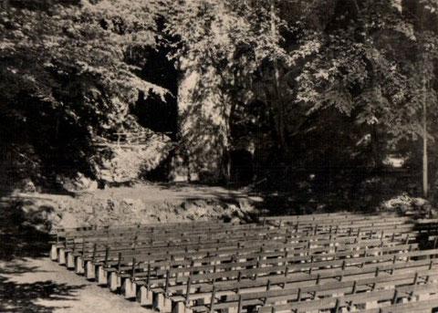Erdfall-Bühne vor 1959 - Repro Malek