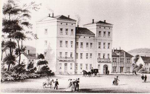 Zeichnung 1870er Jahre, links im Hintergrund Logierhof, rechts Fleischerei Erbe - Archiv W.Malek
