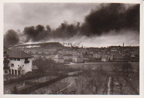 Vermutlich war ein Brand der Scheune Bauer Reinhardt im Meimerser Weg die Ursache für die Rauchentwicklung- Archiv W.Malek