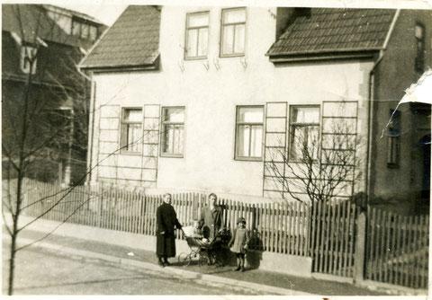 Vor Haus Wengenroth in der Rohstr. - Sammlung Horst Schneider