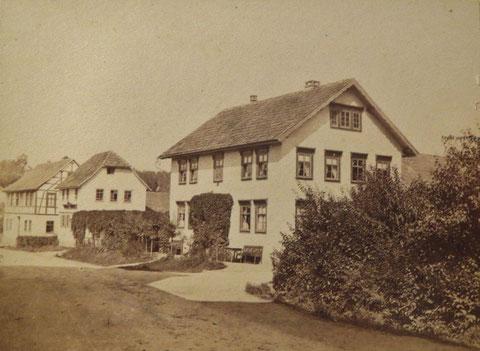 Hopf's Haus ca 1880, links daneben die Herzogliche Hofschmiede und Haus Jordan - Repro W.Malek