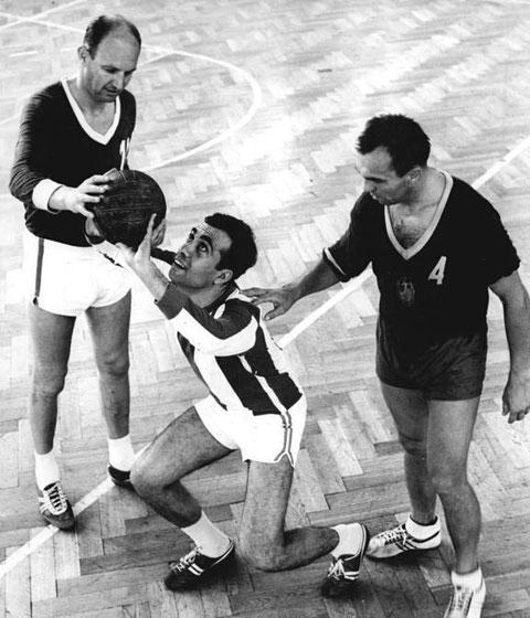 Rolf Bürger (rechts) beim Training