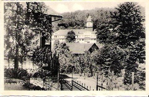Blick vom Grundstück Gustav Roth zum Kaiserhof, links Pension Helene, Aufnahme 1930er Jahre - Archiv W.Malek