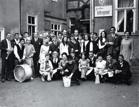 Kirmes Oktober 1969 vor dem Steinbacher Luthergrund - Sammlung Frank Malsch