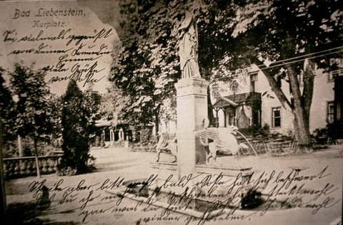 Greifenbrunnen auf dem Kurplatz - Ansichtskarte 1905 - Archiv W.Malek