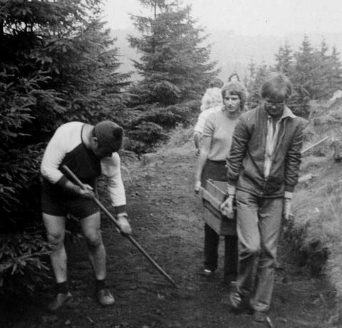 Otto im Rennsteiggarten Oberhof mit seiner Klasse - Zeitraum 1972 bis  1975