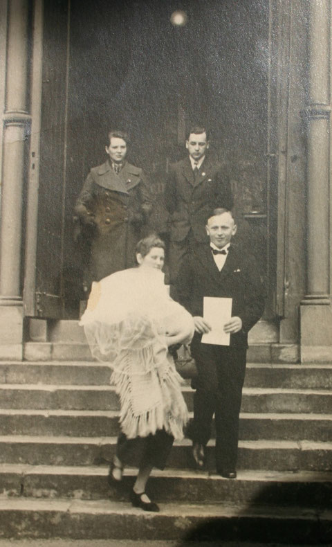 Taufe von Kurt Trautvetter (*22.02.1938,+21.07.1987) in der Evangelischen Kirche mit den Eltern  Fritz (*26.03.1906, +03.06.1958) und Elli Trautvetter (*14.05.1911,+01.08.1992) und Paten Lisbeth Röder und Kurt Schreiner (*20.04.1910)