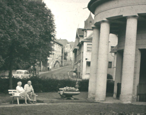 In der Mitte Haus vom Herzoglichen Hofinstallateur Georg-Rudolf Schwarz - Aufnahme 1960er/70er - Archiv - W.Malek