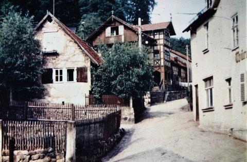 links Haus Volkerts, rechts Thüringer Hof