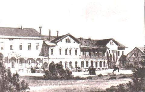 Rückseite der 1855 erbauten Kaltwasserheilanstalt, Fachwerkhaus rechts späteres Wohnhaus Prof.Max Seige - Repro Archiv W.Malek