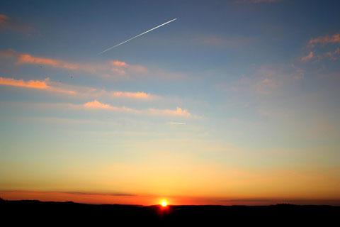 Sonnenuntergang am 04.09.13 zwischen Monte Kali und Kalimandscharo, links Öchsen und Dietrich vom Gerhart-Hauptmann-Blick aufgenommen