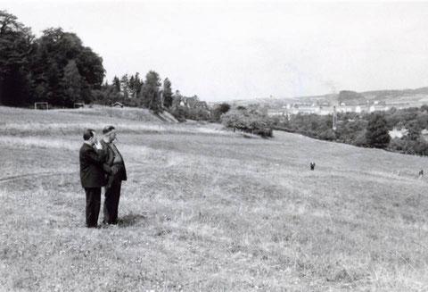 """Blick von der Hutweide in Richtung """"Alter Sportplatz"""" und Bad Liebenstein 1960er - Sammlung Foto BodoB"""
