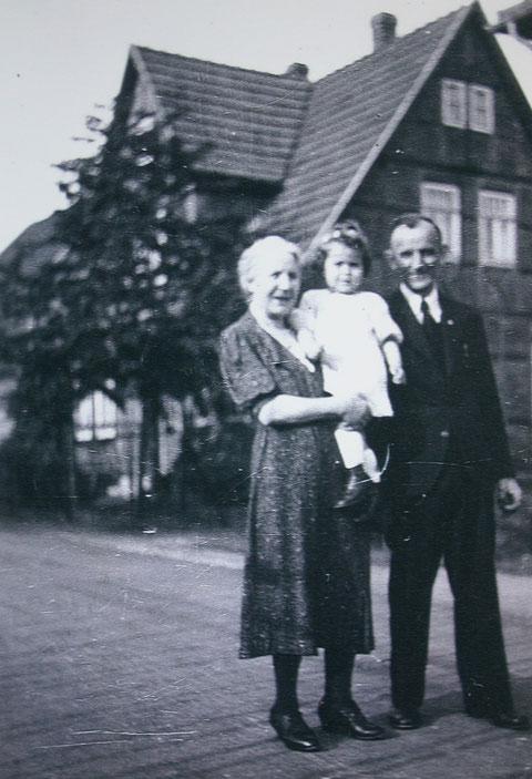 Sammlung Annemarie und Hans-Georg Dederich, Bergengruenstr. 22, 51109 Köln