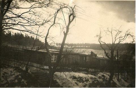 Barackenanlage am Aschenberg unmittelbar nach dem Zweiten Weltkrieg - Archiv Lothar Abendroth -  In obiger Baracke wohnten die Eltern von Käthe Kostrzewa