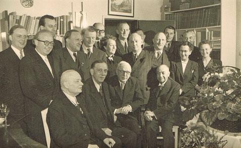 Prof. Dr. Max Seige (vorne dritter von links) zu seinem 80.Geburtstag 1960 - vermutlich im Sanatorium Liebenstein - Sammlung Dr. Fritz Lauterbach (seit Januar 2015 Dr. Christine Seige)