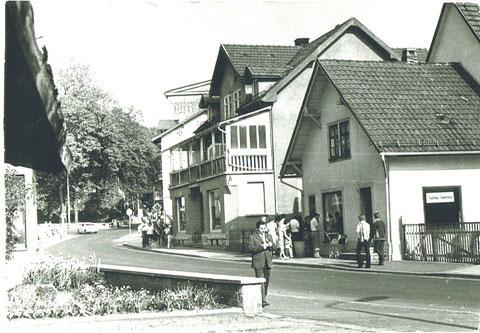 Archiv Fritz Eberhard Reich -  Links Dach der Hufschmiede