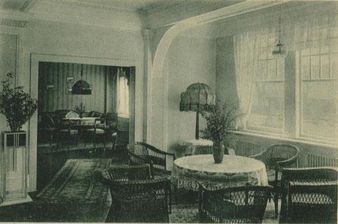 Halle Sanatorium Eichler/Seige mit Biedermeierstube - Repro W.Malek