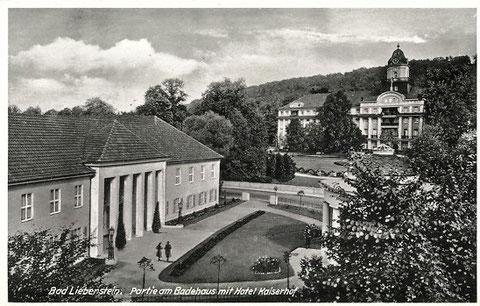 Die Kandelaber am Theatereingang wurden laut Information von E.Mosebach 1937 vom Schweinaer Kunstschmiedemeisters R.Reinicke gefertigt - Archiv - W.Malek