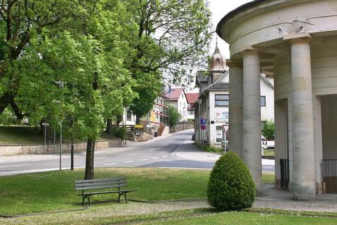 links in der Bildmitte, in die Straße hineinragend, stand das Zochersche Wirtshaus - Aufnahme 2015 W.Malek