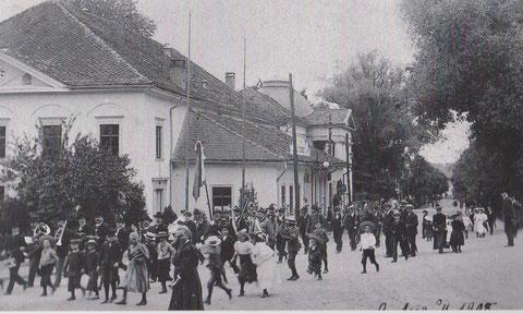 Umzug Schützenverein 1908 - Aus: Bad Liebenstein, wie es damals war