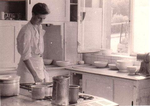 Küche im Löwen 1950er - Sammlung B.Huhn