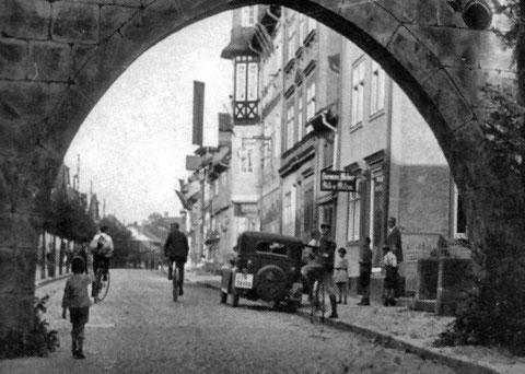 Bad Salzungen Vor dem Neuentor August 1930 - Archiv Peter Michael Steiner
