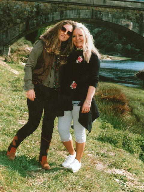 Con mi hermana Conchi.