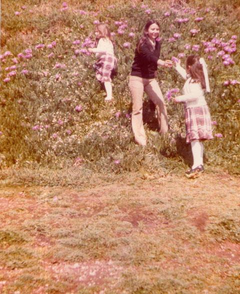 En Salinas con mis sobrinas. F. Pedro.