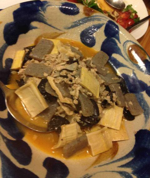 干し筍は知らない人も多い乾物。生の筍を茹でるのとはまた違った食感が好評でした。きくらげも入ったピリ辛味