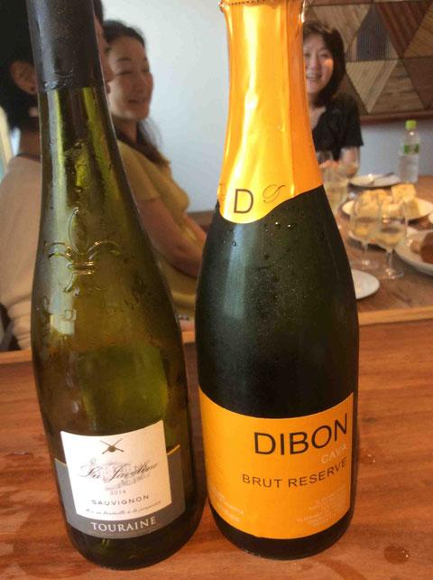 スペインの発泡酒カヴァとフランス、ロワール地方のソーヴィニヨンブラン。