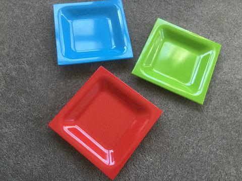 「錯覚クイズ」に使う皿