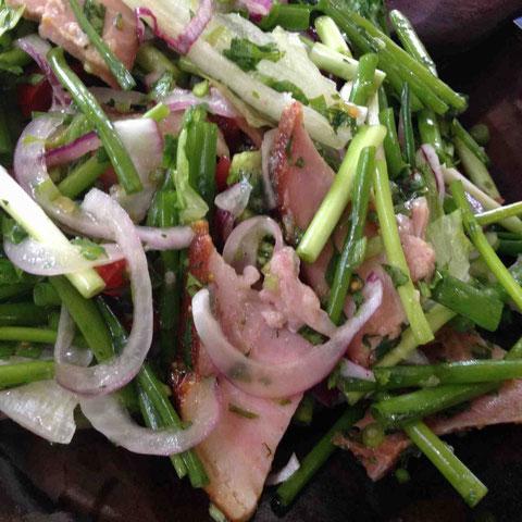タイのヤムヌアの牛肉をハニーベイクドハムに変えてみた