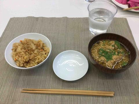 カニごし汁とカニ飯
