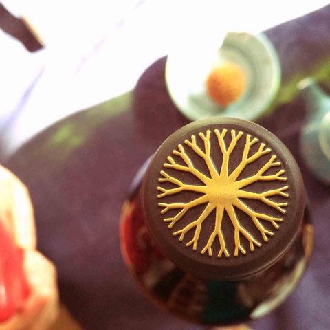 ある方が持ってきてくださったワインのこのデザインに一目惚れ!実はカルロス・ゴーンさんが株主のワイナリーのもの