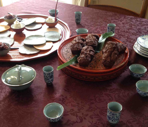 杏入りチョコと小豆の豆乳ケーキ