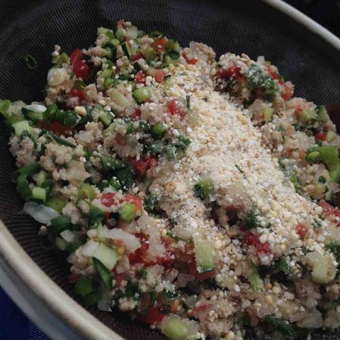 ラープムー。ラオスやタイのイサーン地方のハーブたっぷり挽肉サラダ