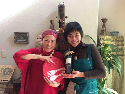 器を持参して参加してくれた陶芸家の我妻珠美さんとツーショット!
