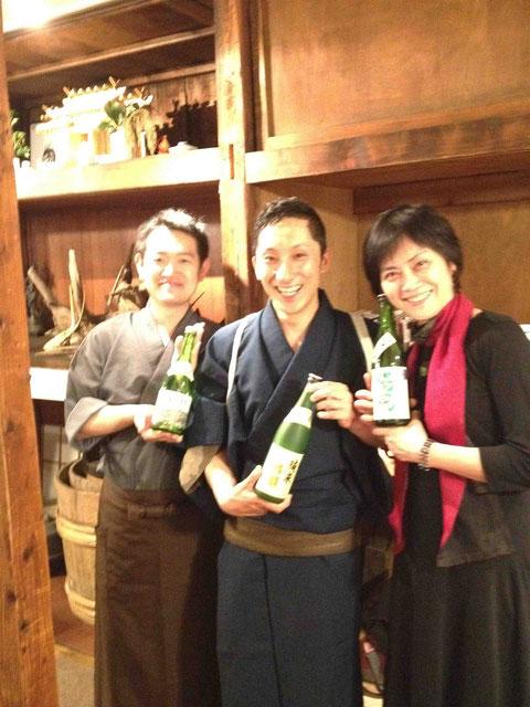 岡田さん(左)、ゴッシーさん(中央)と