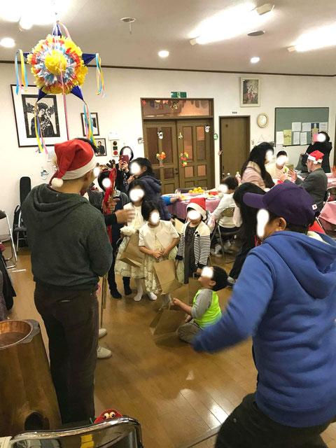 ピニャータ カトリック 教会 クリスマス 子供 遊び