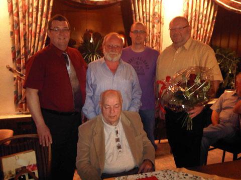 v.l.n.r.: Michael Maurer, Günther Graß, Thorsten Wuth, Peter Gras, sitzend: Willi Lehnard