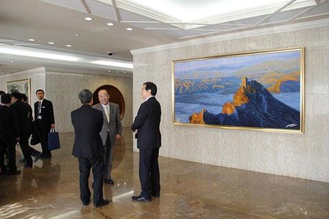 ■入口右側ににある万里の長城の絵画。