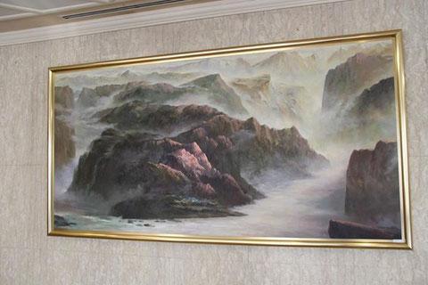 ■入口左側の絵画。