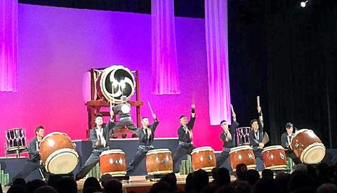 H28. 40周年記念コンサートにて。 曲名は 「男」。