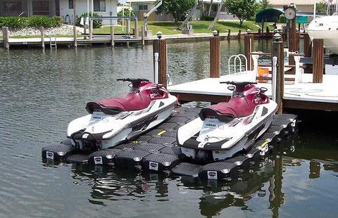 PLATAFORMAS FLOTANTES JETFLOAT.-  Bases de Varada para motos de agua  , embarcaciones  semirrígidas , varaderos para limpiar y pintar cascos , servicios de vigilancia fluvial