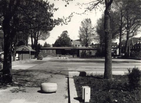 Der Zustand des ehemals prachtvollen Rathauses 1982