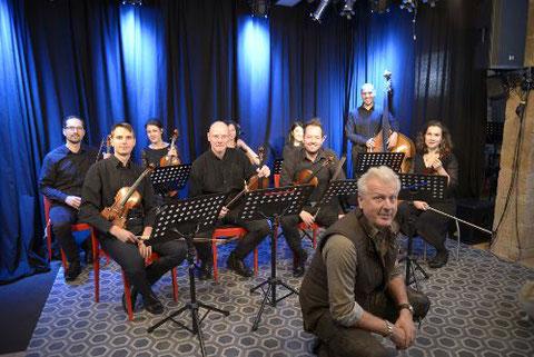 Gliffo & string ensemble by Konzerthaus-orchester Berlin / Greve Studio