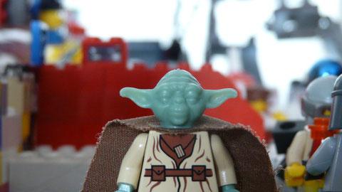 Yoda dans le Jedi Bar