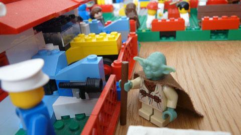 Yoda doit parler au chef de la sécurité de la ville.